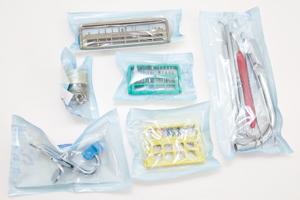 写真:基本セット、バー、ファイル、外科器具、ハンドスケーラー、スケーラーチップ